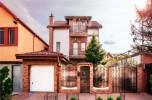 Casa in Giulesti